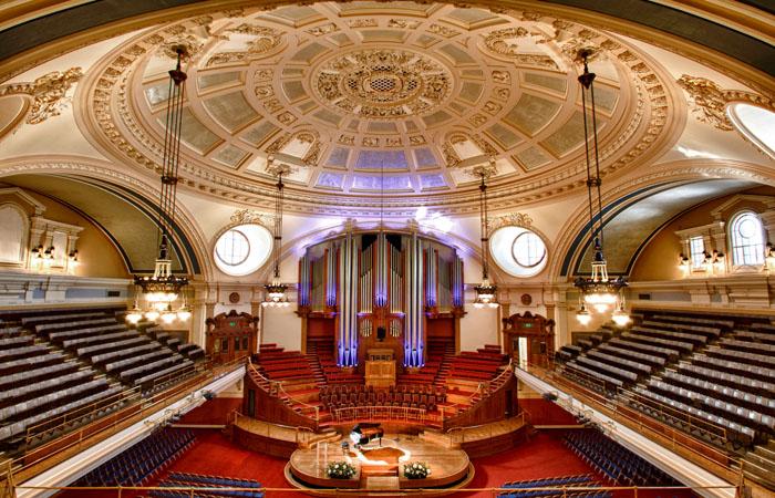 SINACH WAYMAKER  concert LONDON